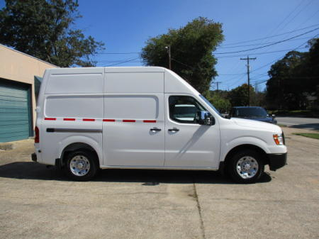 HARD TO FIND 2018 NISSAN NV2500 V8 $23,900